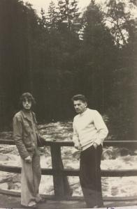 Leszek Skarbiński z synem Andrzejem Morskie Oko 1977