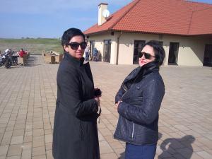 od prawej: Wanda Skarbińska, Joanna Głąb, pole golfowe Krzeszowice, kwiecień 2014 r