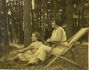 Jadwiga z Szydłowskich Legeżyńska z prawej, z siastrą Marią z Szydłowskich Hilczerową