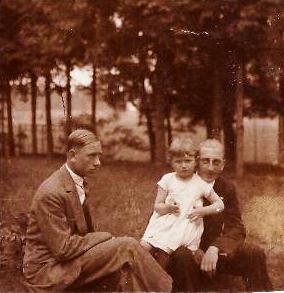 Adam, Helena, Kazimierz Legeżyńscy ok 1928r