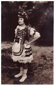 Stasia Czołowska, córka Aleksandra Czołowskiego, strój krakowski