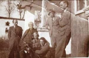 Szostakowscy w Leszczynie 1943r, od lewa Tadeusz, Zofia, Alina, Janina, Wacław