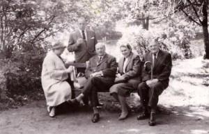 z prawej Władysław i Maria Skarbińscy, Pszczyna 1961 r
