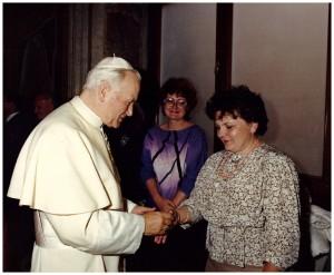Watykan, sala klementyńska, 19 04 1988r, Zofia Skarbińska i JPII